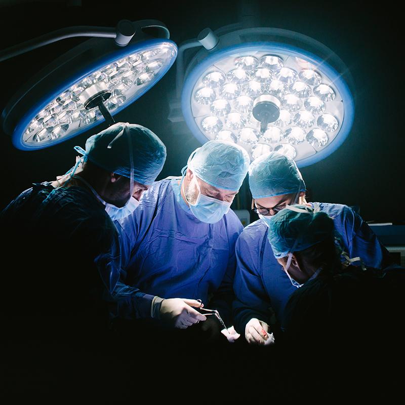 (Português do Brasil) Pensando em tentar residência em Cirurgia nos EUA? Saiba mais sobre a especialidade